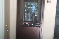 Plain-Bar-With-dog-door-