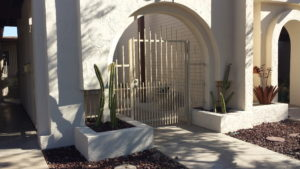 Close Picket Courtyard Gate